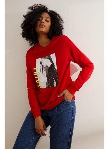 Setre Bej Baskılı Ve Nakışlı Sweatshirt Kırmızı